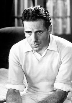 Humphrey Bogart - Golden Age of Hollywood, stage & screen actor. Married to actress Lauren Bacall. Hollywood Icons, Old Hollywood Glamour, Golden Age Of Hollywood, Vintage Hollywood, Hollywood Stars, Classic Hollywood, Humphrey Bogart, Classic Movie Stars, Classic Movies