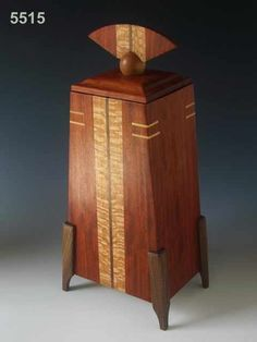 Wood Box Decorative wood cremation urns can be used as burial urns or to keep in your hom… Woodworking Jewellery Box, Woodworking Box, Woodworking Projects That Sell, Woodworking Furniture, Wooden Box Designs, Decorative Wooden Boxes, Cremation Boxes, Cremation Urns, Burial Urns