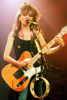 "doraemonmon: ""Susanna Hoffs - The Bangles "" Susanna Hoffs, Rocker Girl, Rocker Chick, Female Guitarist, Female Singers, Rock Roll, Cj Jeep, Bass, Women Of Rock"