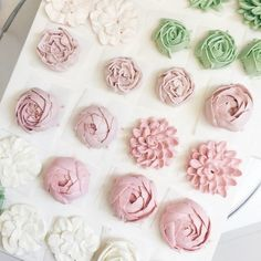 Building blocks of the buttercream flower cakes #buttercream