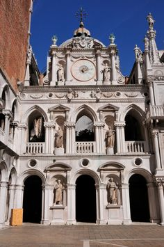 Detail of the inner #courtyard of the Doge's Palace