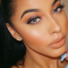 Glowing @missangiemar ✨✨ #makeupaddictionbrushes #makeupaddictioncosmetics