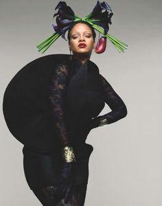 Személyi edzője elárulta Rihanna bombaformájának titkát! | Well&fit