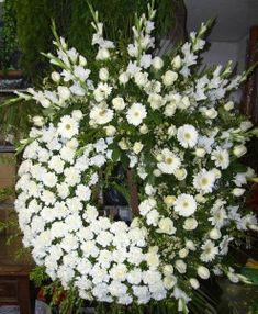 Valentine Flower Arrangements, Funeral Floral Arrangements, Modern Flower Arrangements, Flowers Gif, White Flowers, Beautiful Flowers, Casket Flowers, Funeral Flowers, Funeral Sprays