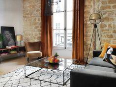 #Salón de un piso en París.