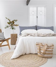 Awesome Deco Chambre Pas Cher that you must know, You?re in good company if you?re looking for Deco Chambre Pas Cher Summer Deco, Retro Dining Chairs, Budget Home Decorating, Textured Carpet, Carpet Trends, Carpet Ideas, Bedroom Carpet, White Bedroom, White And Brown Bedroom