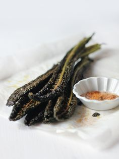 Baked Tuscan Kale Leaves/Chips with Spiced Salt - hortuscuisine.com