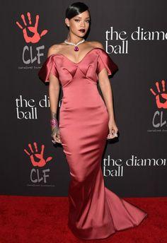 12/11 #リアーナ Rihanna's 1st Annual Diamond Ball |海外セレブ最新画像・私服ファッション・着用ブランドまとめてチェック DailyCelebrityDiary*