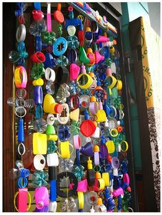 Recycling- I love this. Teach about recycling then recycling everything from the week to make a cool door (or window) decoration! Recycled Art Projects, Recycled Crafts, Diy Projects, Crafts From Recycled Materials, Recycled Products, Recycled Jewelry, Class Projects, Kids Crafts, Arts And Crafts