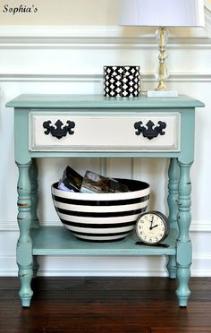 love! DIY nightstand.