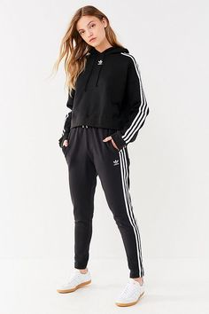 b7a380746b2 14 Best Cropped Hoodie Outfit images | Casual outfits, Cropped ...