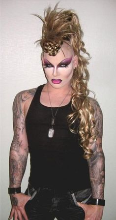 Nina Flowers is the QUEEN of dramatic eye makeup. love her!