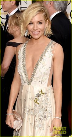 Sienna Miller Golden Globes 2015 Red Carpet   Love her hair with the deep side part