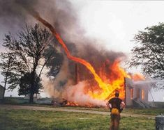 Funny pictures about Hellish Tornado. Oh, and cool pics about Hellish Tornado. Also, Hellish Tornado photos. Tornados, Thunderstorms, Cool Pictures, Cool Photos, Beautiful Pictures, Bizarre Pictures, Natural Phenomena, Natural Disasters, Fire Tornado
