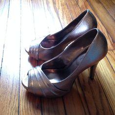 Amazing heels! Beautiful silvery gold heels! Worn once! Kelly & Katie Shoes Heels