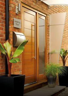Modern Doors - London, United Kingdom. Modena Oak Side Panel Door Set - Stylish contemporary oak front door with side panel supplied by Modern Doors
