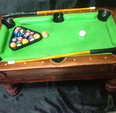 Pool Table cake by Milca