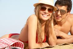5 Ways to Beat the Heat This Summer - NewsZoom Beat The Heat, Prescription Sunglasses, End Of Summer, Quality Time, 5 Ways, 3 D, Mirrored Sunglasses, Couples, Soul Mates