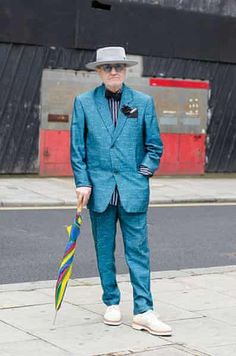 Older Models - Weekend : man in blue suit and grey hat Sharp Dressed Man, Well Dressed, E Commerce, Man About Town, Older Models, Advanced Style, Gentleman Style, Dapper Gentleman, Style And Grace