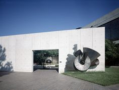 Houston Museum of Fine Arts Garden. Isamu Noguchi. Houston, EUA. 1978 - 1986.