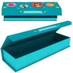 Original lapicero de cartón de Eurekakids con bonito estampado de Archi y sus amigos.  Edad: A partir de 5 años.