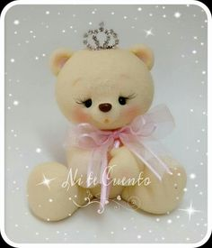 Love Cake Topper, Fondant Cake Toppers, Fondant Figures, Polymer Clay Projects, Clay Crafts, Teddy Bear Cakes, Bear Decor, Bear Party, Fondant Decorations