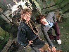 "Jackson captioned the photo, ""Smaug admires Bilbo's feet."" [Martin Freeman And Benedict Cumberbatch On The Set Of ""The Hobbit""] Benedict Cumberbatch, Sherlock Cumberbatch, Hobbit Feet, O Hobbit, Johnlock, Jackson, Sherlock Bbc, Sherlock Season, Benedict Sherlock"