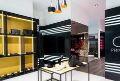 RETAIL.- Dividido en tres ambientes Premium, presentamos establecimientos tan dispares entres sí, pero tan ligados a la calidad como lo son, ropa,...