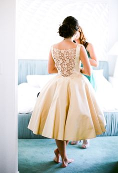 Champagne Knee Length Wedding Dresses With Jewel Neck Sheer Back Lace Short 2016 Custom Made Vintage Bridal Country Wedding Gowns Unique Wedding Gowns, Mod Wedding, Wedding Attire, Wedding Blog, Lace Wedding, Dress Wedding, Wedding Ideas, Wedding White, Unique Weddings