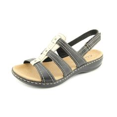 Clarks Women's Leisa Daisy Black Fashion Sandals 5.5 M * New and awesome product awaits you, Read it now  : Clarks sandals