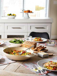 Casserole de poulet au maïs, aux petits pois et aux tomates succotash