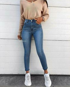 14 simple & trendy outfits for Spring and Summer 2019 # Spring ., Winter Outfits, 14 simple & trendy outfits for Spring and Summer 2019 # Spring Crop Top Outfits, Cute Casual Outfits, Cute Summer Outfits, Simple Outfits, Jean Outfits, Stylish Outfits, Casual Jeans, Sporty Outfits, Model Outfits