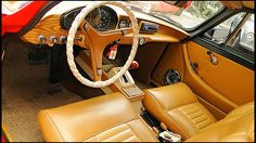 1971 Volvo P1800 this was the interior and it was kind of great