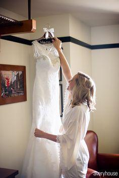 Elizabeth + Michael Chicago Athletic Association, Lace Wedding, Wedding Dresses, Fashion, Bride Dresses, Moda, Bridal Gowns, Wedding Dressses, La Mode