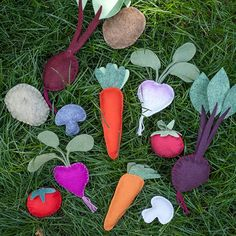 Make this gorgeous DIY felt veggie garden with this simple tutorial from Lia Griffith.