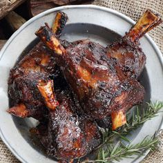 Treat yourself this National Braai Day and feel like a proper cave dwelling individual, as you tear off mouthfuls of sticky, sweet amber ale-glazed lamb. Lamb Shank Recipe, Magazine Recipe, Lamb Shanks, Bacon Bits, Lamb Recipes, Sweet Potato, Ale, Dinners, Goodies