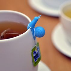 Cute little snail to hold my tea bag.because i love my tea! Diy Fimo, Crea Fimo, Polymer Clay, 3d Templates, My Tea, Clay Creations, Clay Crafts, Cool Gadgets, Inventions