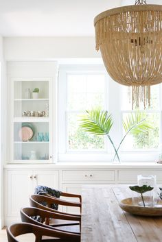 Dining room storage ideas to maintain your scheme clutter free Dining Room Storage, Dining Room Furniture, Dining Rooms, Black Furniture, California Homes, California Beach, Southern California, California Home Decor, Dining Room Inspiration