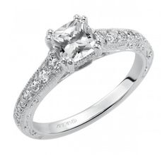 Cushion cut engagement ring #lovethis