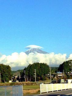 Cap cloud Mt.Fuji 笠雲 富士山 10/20/2014.  (Shizuoka Japan 静岡県裾野市)