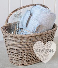 We love Ib Laursen! www.shabby-style.de/korb-knud