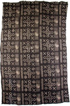 Africa | Hand-painted mud cloth from Mali