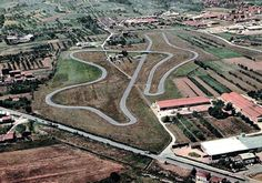 Drive a laferrari or any Ferrari for that matter on this track the legendary fiorano track Race Car Track, Slot Car Racing, Slot Car Tracks, Slot Cars, Race Cars, Race Tracks, Vintage Sports Cars, Vintage Racing, Go Kart Tracks