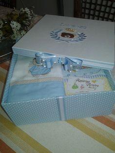 Caixa kit presente Lorenzo www.raparigaarteirababy.blogspot.com
