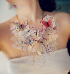 Fébrilité papillon collier fait sur commande avec n'importe quel combo de couleur que vous souhaitez