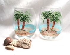 Stemless pair of hand painted daisy wine glasses por DeannaBakale