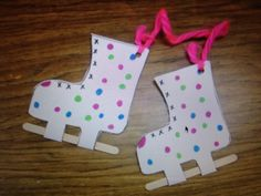 40 Easy Winter Crafts for Kids is part of Kids Crafts Easy Winter - Find Here Must Know! 40 Easy Winter Crafts for Kids Daycare Crafts, Classroom Crafts, Kids Crafts, Craft Projects, Craft Ideas, Easy Crafts, Winter Crafts For Toddlers, Winter Kids, Winter Sports