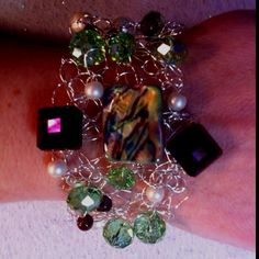 Crochet wire bracelet   kellybcreations.etsy.com