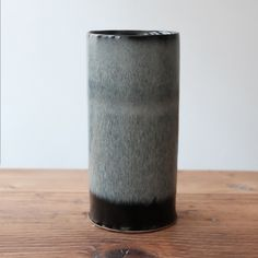 Image of UNIKA CYLINDER IN BLACK AND SILVER GLAZE