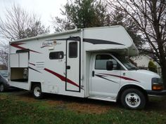 2009, Coachmen Freedom Express Very good condition. Clean, well maintained. All maintenance done by Coachmen dealer. Original Owner. INTERIOR FEATURES: Vinyl Floors, Carpet, Oak Cabinets, Corian Counter Tops - See more at: http://www.rvregistry.com/used-rv/1003583.htm#sthash.ApdzU00G.dpuf